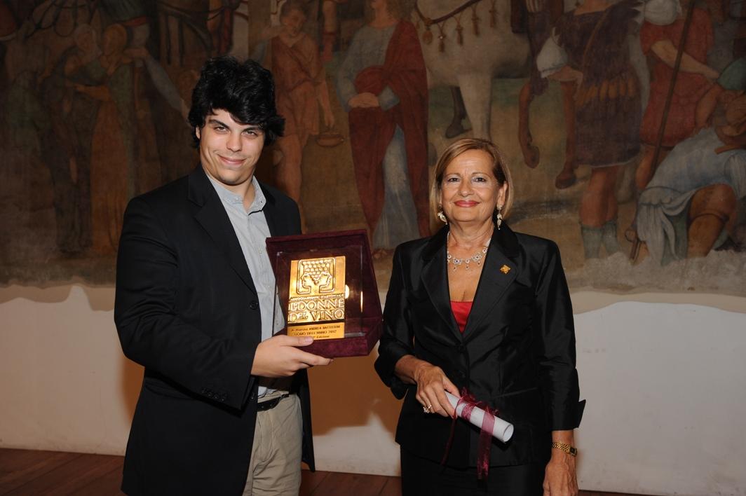 Andrea Battistoni premiato dalle Donne del Vino