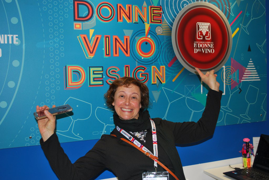 Vinitaly 2019. Inizia il nostro Vinitaly con una visita allo stand delle Donne del Vino. 7 aprile 2019
