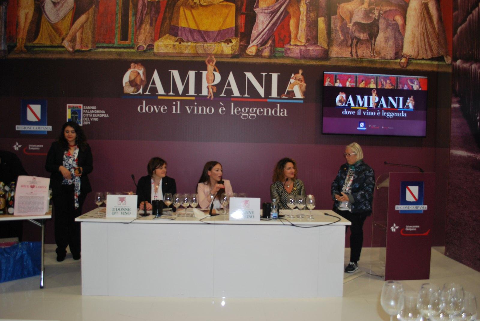 """VINITALY 2019 """"Mixology al femminile"""" con le Donne del Vino della Campania. 8 aprile 2019"""
